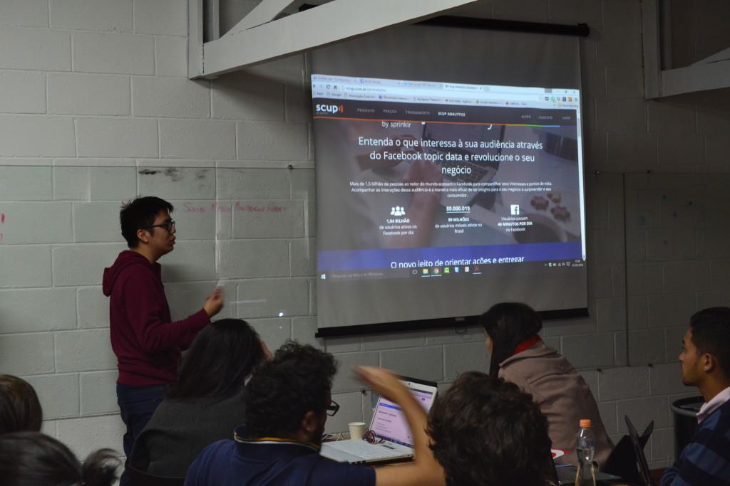 Gabriel Ishida, ministrando o módulo de Monitoramento e Métricas.